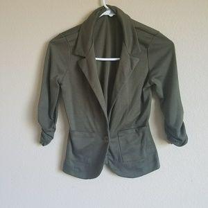 Stylish Green Cropped sleeve botton up blazer